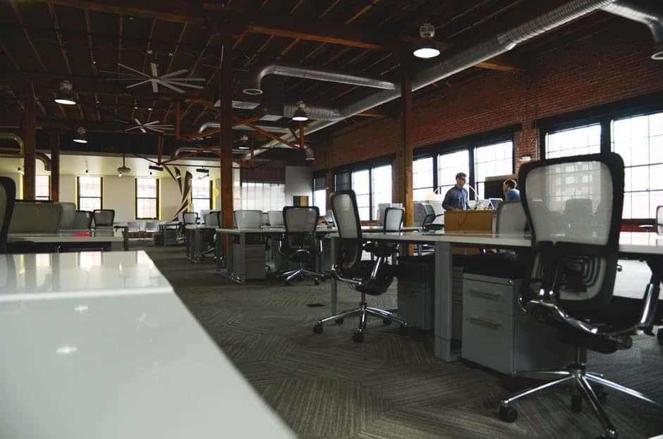 space-desk-workspace-coworking